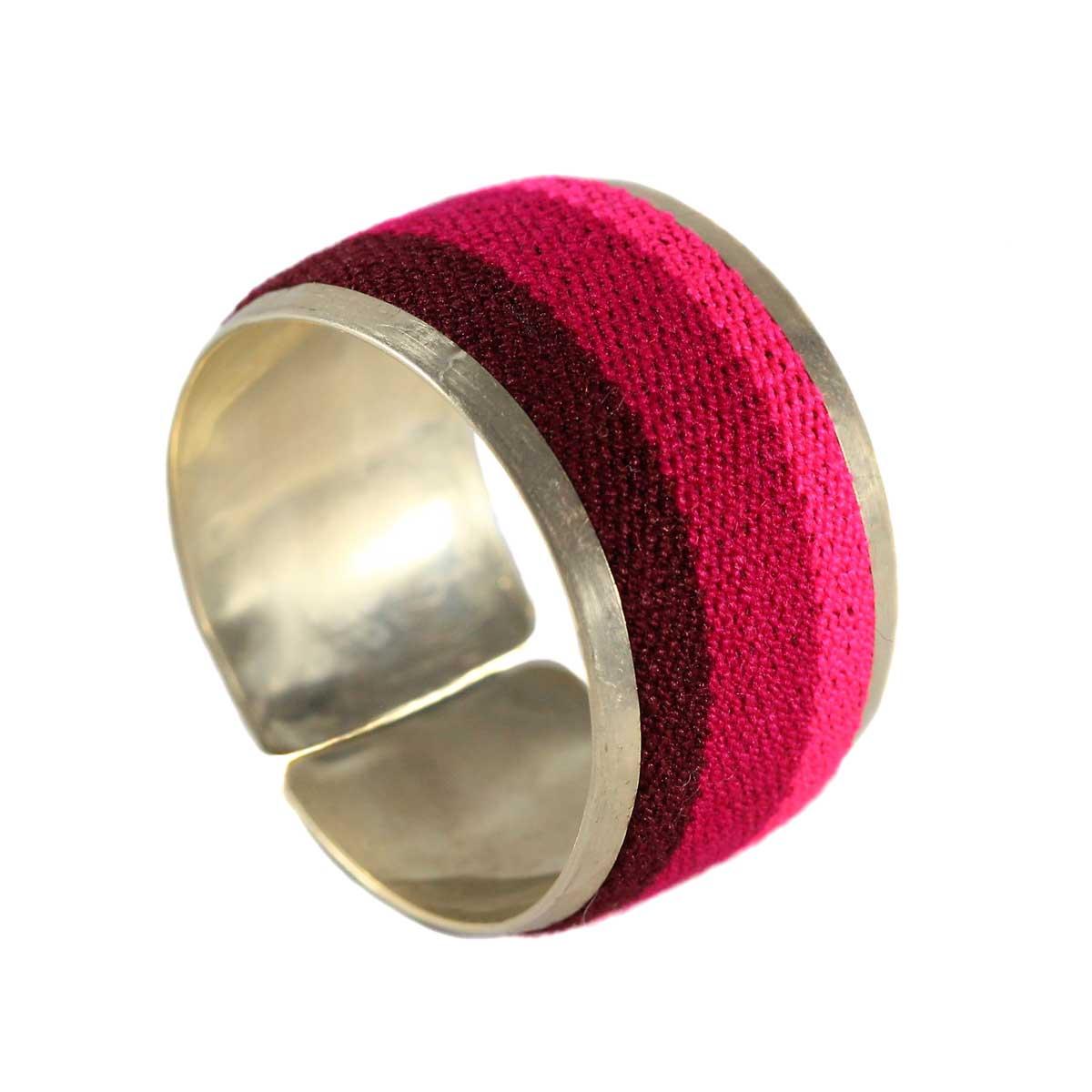 Inka-Products-Bracelet Tissu Traditionnel Péruvien-Nuances de Fuchsia-2
