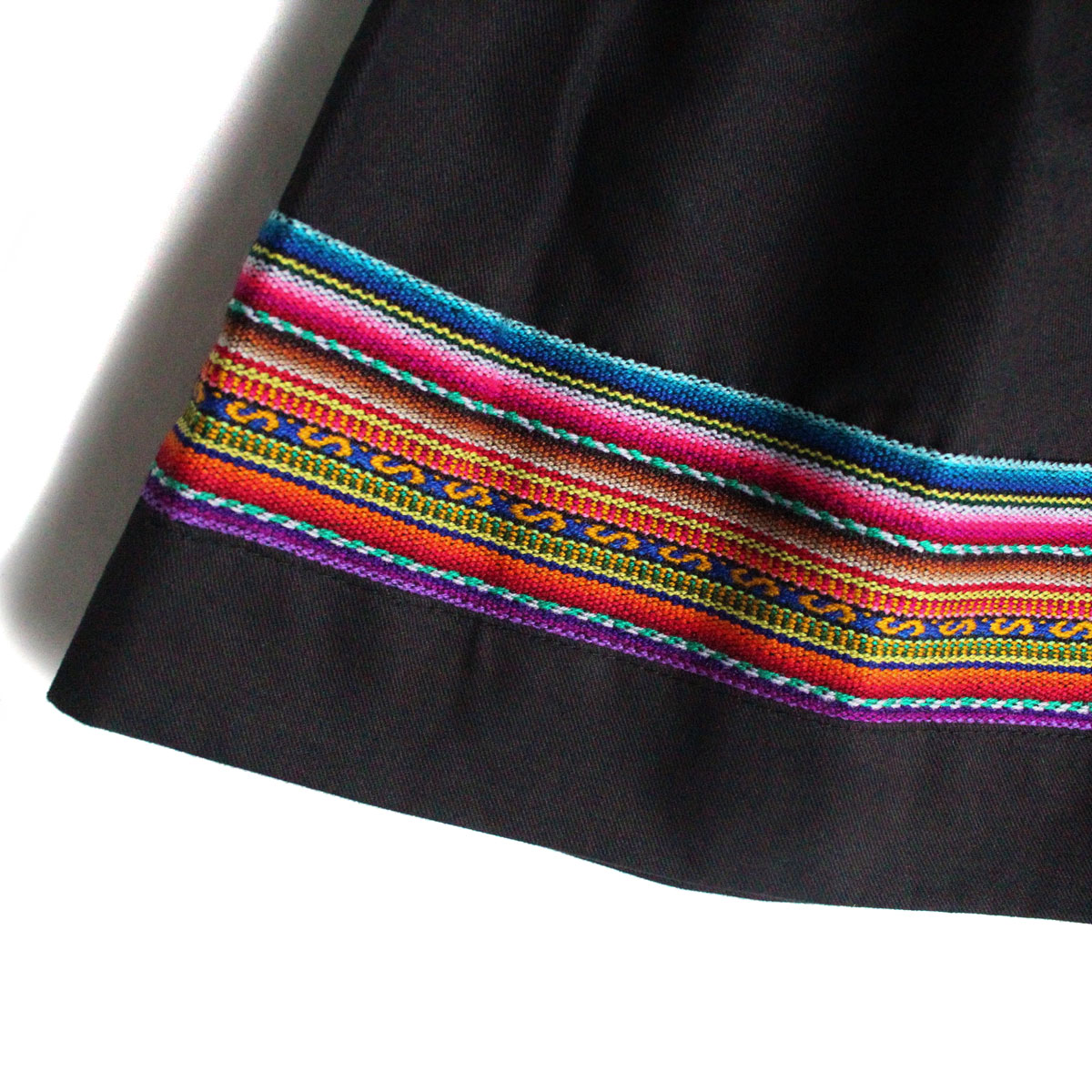 Inka-Products-Mini-Jupe Fille CHOLITA-Noir Motif Ethnique Kurmi-2